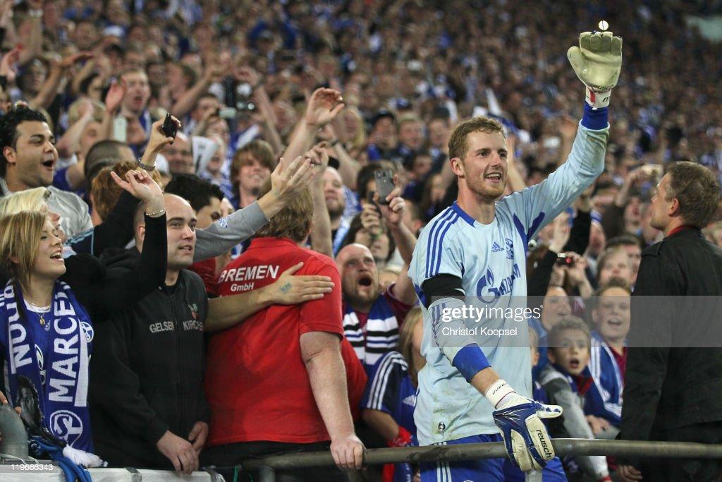 FC Schalke 04 v Borussia Dortmund - Supercup 2011