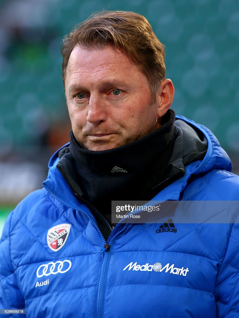 Ralph Hasenhuettl, head coach of Ingolstadt looks on before uring the Bundesliga match between VfL Wolfsburg and FC Ingolstadt at Volkswagen Arena on February 13, 2016 in Wolfsburg, Germany.