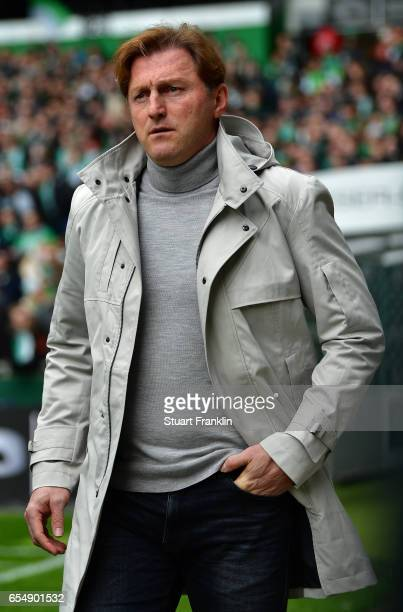 Ralph Hasenhuettl head coach of Leipzig looks on during the Bundesliga match between Werder Bremen and RB Leipzig at Weserstadion on March 18 2017 in...