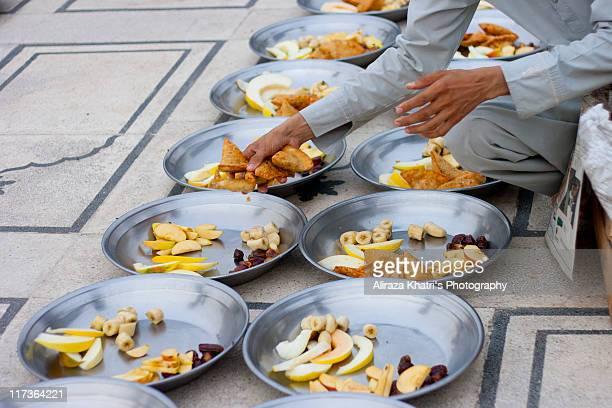 Ramadan Iftar, Memon Masjid