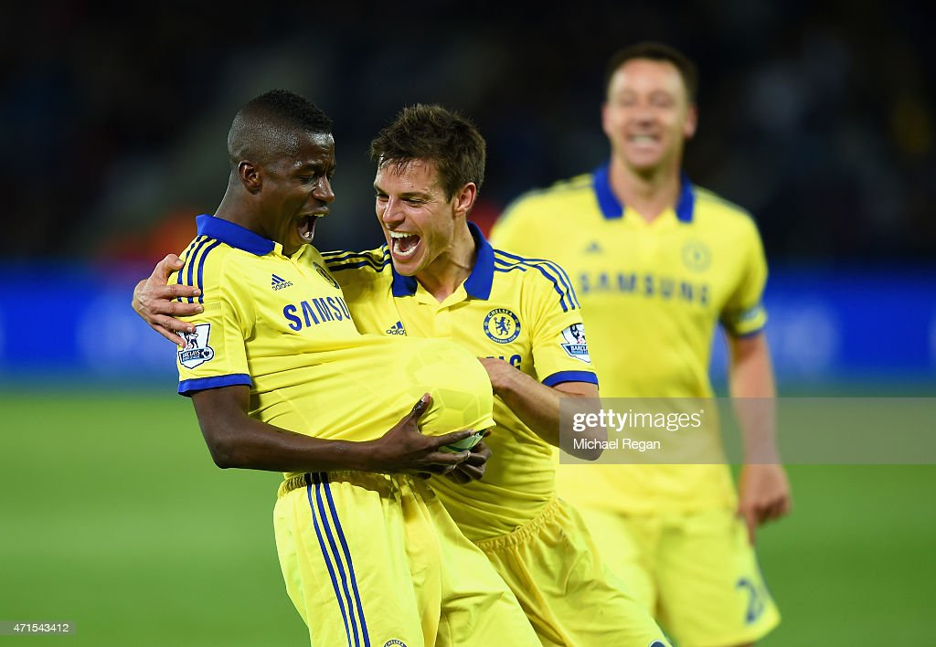 Ramires of Chelsea (L) celebrates scoring their third goal with Cesar Azpilicueta of Chelsea during the Barclays Premier League match between Leicester City and Chelsea at The King Power Stadium on April 29, 2015 in Leicester, England.