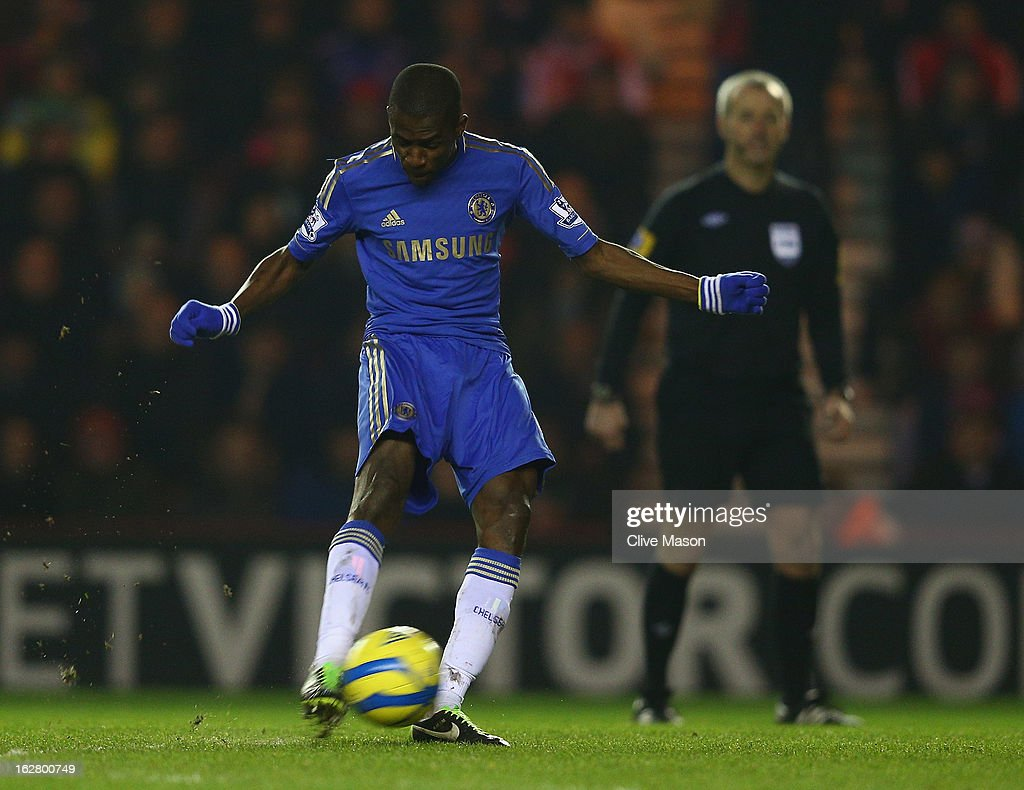 Ramires of Chelsea shoots and scores a goal during the FA Cup with Budweiser Fifth Round match between Middlesbrough and Chelsea at Riverside Stadium on February 27, 2013 in Middlesbrough, England.