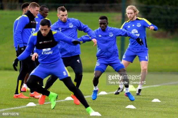 Ramiro Funes Mori Morgan Schneiderlin Idrissa Gueye and Tom Davies during the Everton training session at USM Finch Farm on February 3 2017 in...