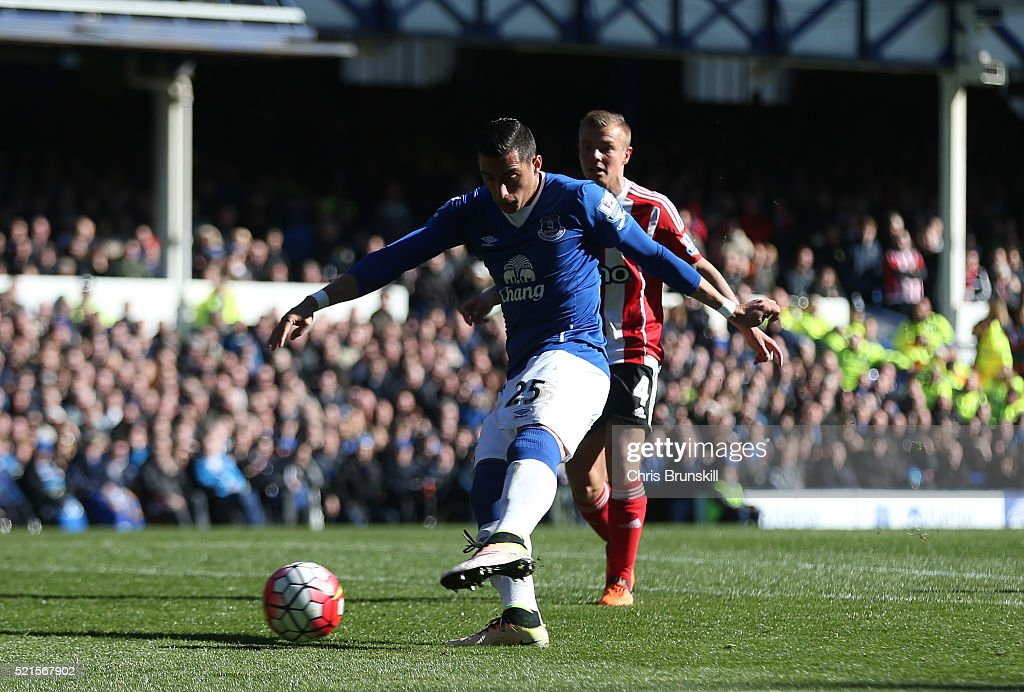 Ramiro Funes Mori of Everton scores his team's opening goal during the Barclays Premier League match between Everton and Southampton at Goodison Park on April 16, 2016 in Liverpool, England.