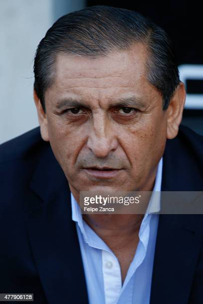 Ramon Diaz coach of Paraguay looks on during the 2015 Copa America Chile Group B match between Uruguay and Paraguay at La Portada Stadium on June 20...