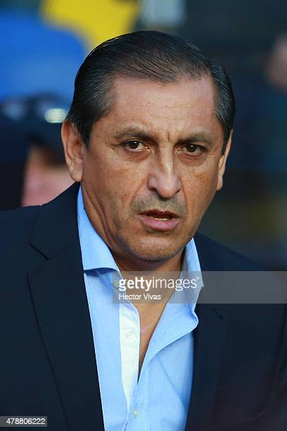 Ramon Diaz coach of Paraguay looks on during the 2015 Copa America Chile quarter final match between Brazil and Paraguay at Ester Roa Rebolledo...