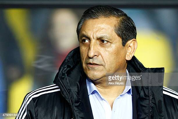 Ramon Diaz coach of Paraguay looks on during the 2015 Copa America Chile Third Place Playoff match between Peru and Paraguay at Ester Roa Rebolledo...