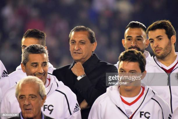 Ramon Diaz Hernan Diaz Marcelo Gallardo Rodolfo D`Onofrio Ariel Rojas and Camilo Mayada pose during Fernando Cavenaghi's farewell match at Monumental...