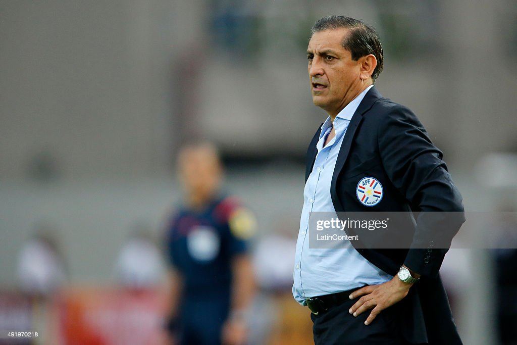 <a gi-track='captionPersonalityLinkClicked' href=/galleries/search?phrase=Ramon+Diaz&family=editorial&specificpeople=2607555 ng-click='$event.stopPropagation()'>Ramon Diaz</a> of Paraguay looks on during a match between Venezuela and Paraguay as part of FIFA 2018 World Cup Qualifier at Cachamay Stadium on October 08, 2015 in Puerto Ordaz, Venezuela.