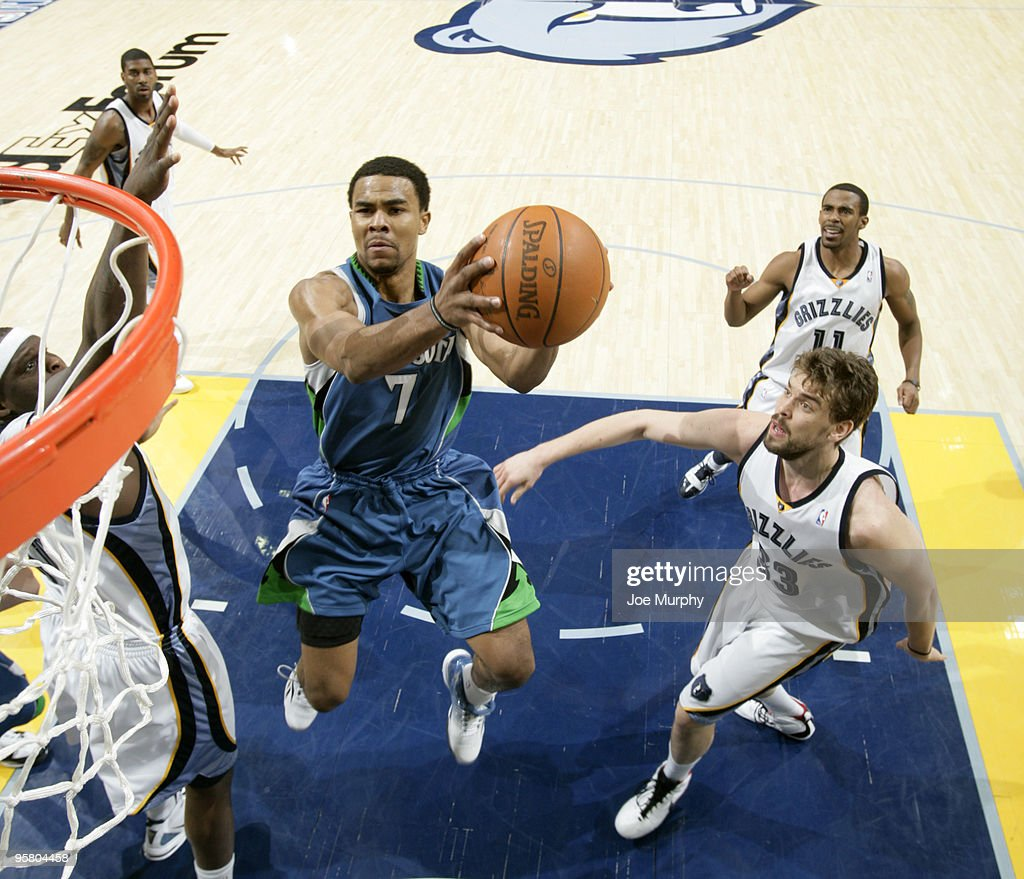 Ramon Sessions #7 of the Minnesota Timberwolves shoots a layup against the Memphis Grizzlies on January 15, 2010 at FedExForum in Memphis, Tennessee.