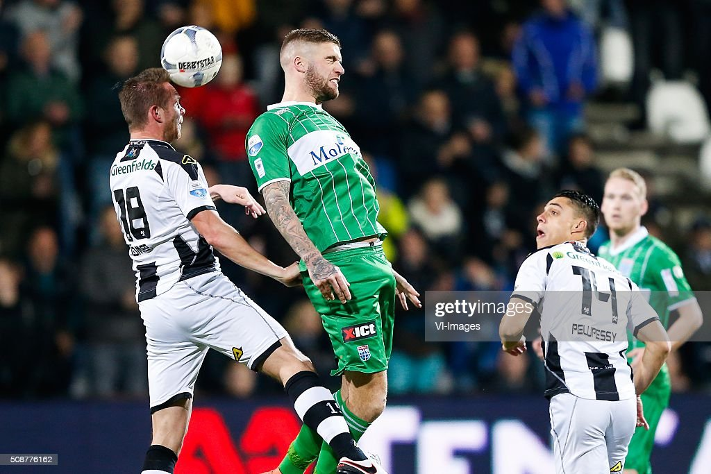 Ramon Zomer of Heracles Almelo, Lars Veldwijk of PEC Zwolle, Joey Pelupessy of Heracles Almelo, Stef Nijland of PEC Zwolle during the Dutch Eredivisie match between Heracles Almelo and PEC Zwolle at Polman stadium on February 06, 2016 in Almelo, The Netherlands
