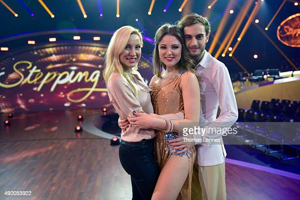 Ramona Drews Joelina Drews and Marc Aurel Zeeb pose after the fith show of the television competition 'Stepping Out' on October 9 2015 in Cologne...