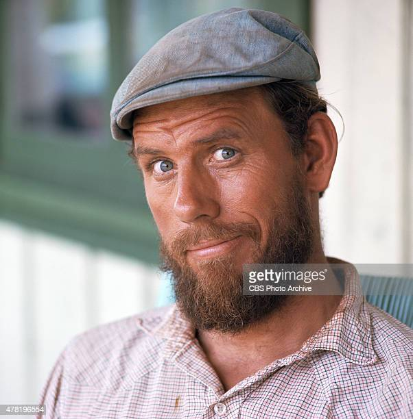 Rance Howard as Henry Boomhauer in GENTLE BEN