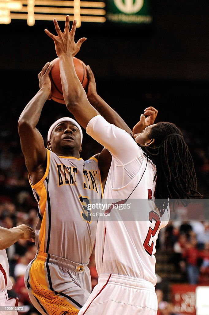 Randal Holt #3 of the Kent State Golden Flashes looks for a shot over David Rivers #2 of the Nebraska Cornhuskers during their game at The Devaney Center on November 24, 2012 in Lincoln, Nebraska.