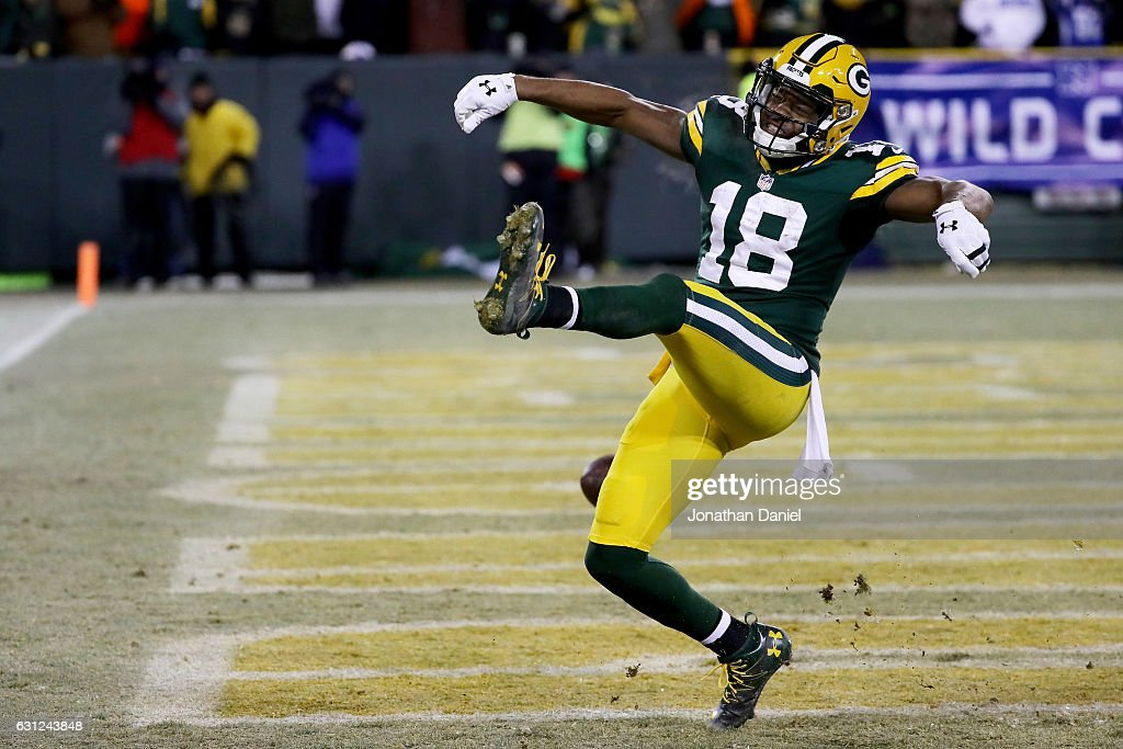 Randall Cobb #18 of the Green Bay Packers scores a touchdown in the third quarter during the NFC Wild Card game against the New York Giants at Lambeau Field on January 8, 2017 in Green Bay, Wisconsin.