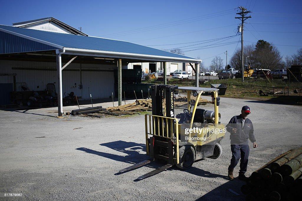 Trump 39 s trade war 16 an hour job lost 2 an hour job Randall motors