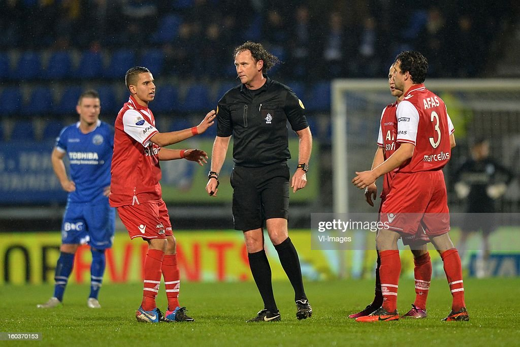 Randy Wolters of FC Den Bosch, Adam Maher of AZ, Reinold Wiedemeijer, Roy Beerens of AZ, Dirk Marcellis of AZ during the Dutch Cup match between FC Den Bosch and AZ at stadium De Vliert on january 29, 2013 in Den Bosch, The Netherlands