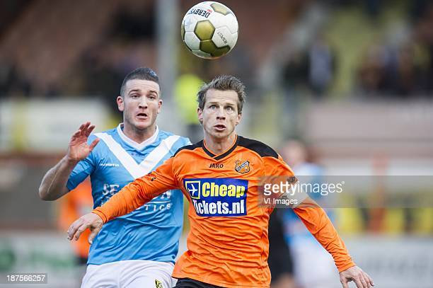 Randy Wolters of VVV Venlo Gerry Koning of FC Volendam
