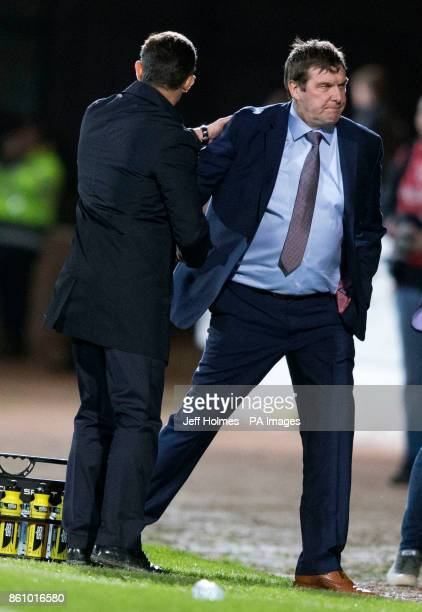 Rangers' manager Pedro Caixinha shakes hands with St Johnstone manager Tommy Wright after the Ladbrokes Scottish Premiership match at McDiarmid Park...