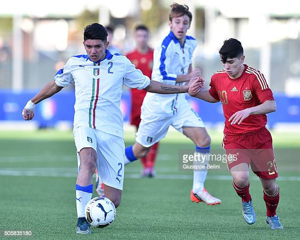 Raoul Bellanova of Italy and Brahim Diaz of Spain in action during the international friendly match between Italy U17 and Spain U17 on January 20...
