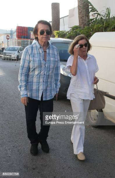 Raphael and his wife Natalia Figueroa attend the funeral chapel for former motorcycling world champion Angel Nieto at Tanatorio de Ibiza on August 4...