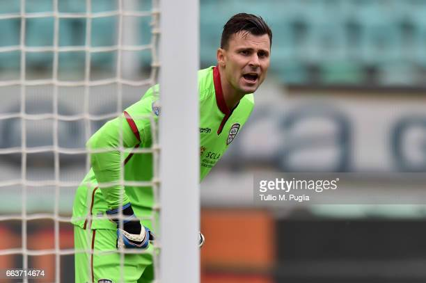 Raphael goalkeeper of Cagliari in action during the Serie A match between US Citta di Palermo and Cagliari Calcio at Stadio Renzo Barbera on April 2...