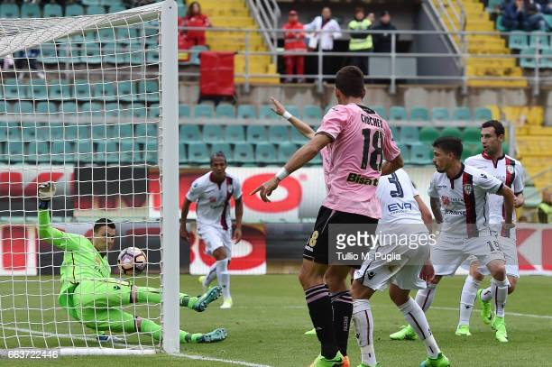 Raphael goalkeeper of Cagliari saves a goal during the Serie A match between US Citta di Palermo and Cagliari Calcio at Stadio Renzo Barbera on April...
