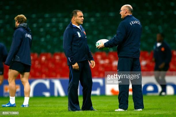 Raphael IBANEZ et Bernard LAPORTE Captain's run Entrainement equipe de France au Millenium Stadium de Cardiff