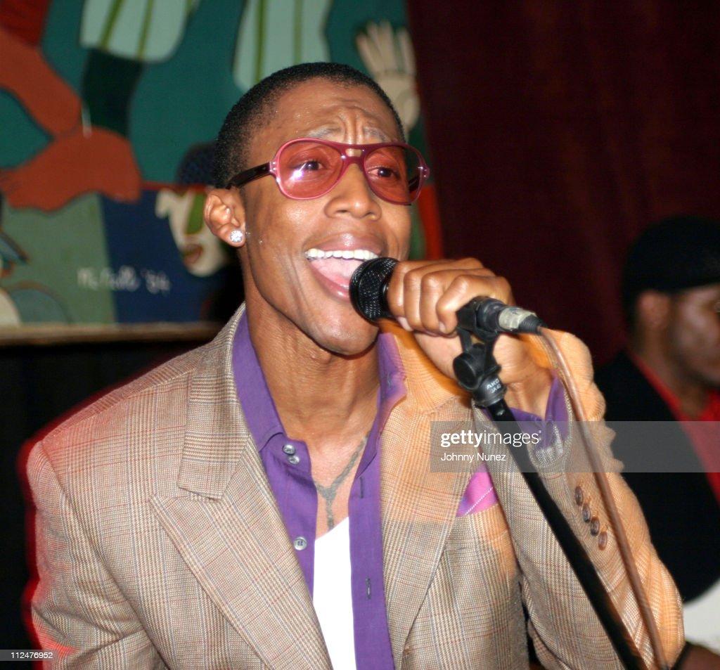 Raphael Saadiq, Tony! Toni! Tone!, and Joi Performances At S.O.B.