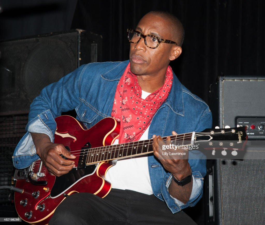 <a gi-track='captionPersonalityLinkClicked' href=/galleries/search?phrase=Raphael+Saadiq&family=editorial&specificpeople=858977 ng-click='$event.stopPropagation()'>Raphael Saadiq</a> performs onstage at the Sunset Strip art guitar tribute to Otis Redding atThe Whiskey A Go Go on July 15, 2014 in West Hollywood, California.