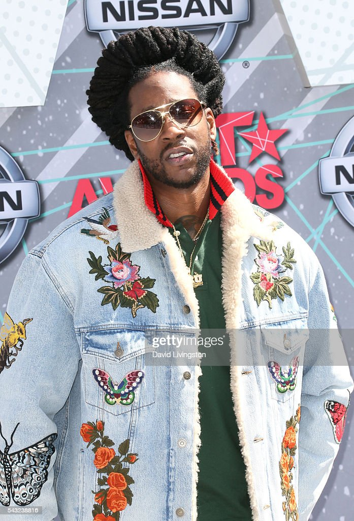 Rapper <a gi-track='captionPersonalityLinkClicked' href=/galleries/search?phrase=2+Chainz&family=editorial&specificpeople=8559144 ng-click='$event.stopPropagation()'>2 Chainz</a> attends the 2016 BET Awards at Microsoft Theater on June 26, 2016 in Los Angeles, California.