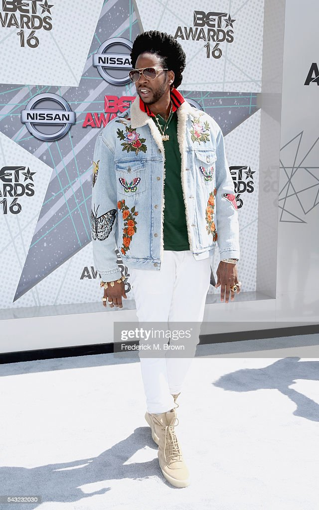 Rapper <a gi-track='captionPersonalityLinkClicked' href=/galleries/search?phrase=2+Chainz&family=editorial&specificpeople=8559144 ng-click='$event.stopPropagation()'>2 Chainz</a> attends the 2016 BET Awards at the Microsoft Theater on June 26, 2016 in Los Angeles, California.