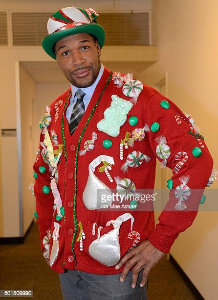 AMERICA Rapper 2 Chainz hosts the annual GMA Ugly Sweater Contest on GOOD MORNING AMERICA 12/17/15 airing on the ABC Television Network MICHAEL