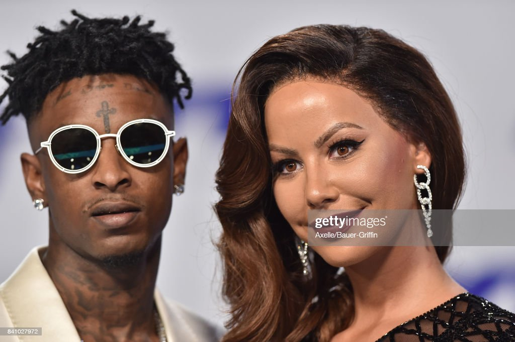 Rapper 21 Savage and model Amber Rose arrive at the 2017 MTV Video Music Awards at The Forum on August 27, 2017 in Inglewood, California.