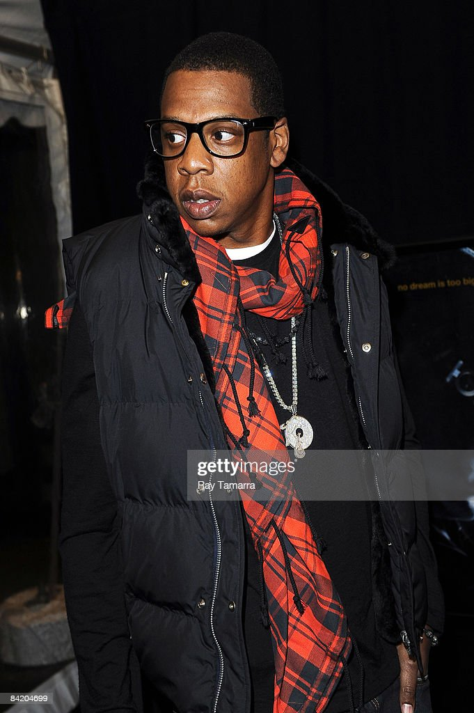 Rapper and entrepreneur Shawn '<a gi-track='captionPersonalityLinkClicked' href=/galleries/search?phrase=Jay-Z&family=editorial&specificpeople=201664 ng-click='$event.stopPropagation()'>Jay-Z</a>' Carter attends the premiere of 'Notorious' at the AMC Lincoln Square January 7, 2009 in New York City.