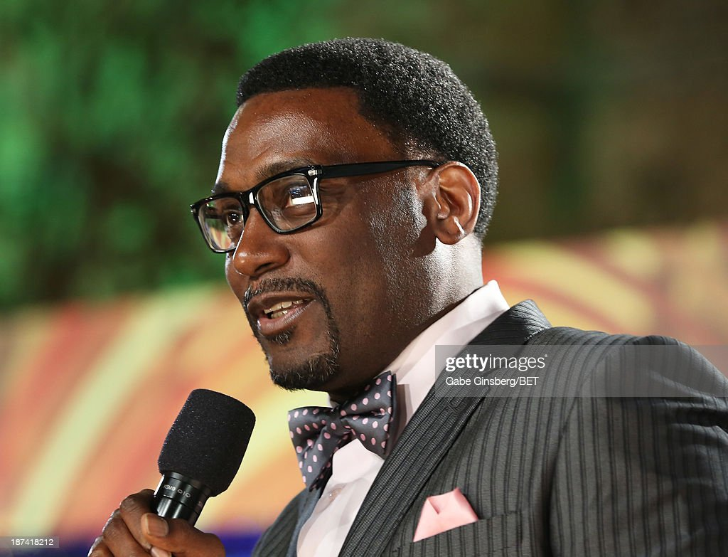 Rapper <a gi-track='captionPersonalityLinkClicked' href=/galleries/search?phrase=Big+Daddy+Kane&family=editorial&specificpeople=540343 ng-click='$event.stopPropagation()'>Big Daddy Kane</a> attends the Soul Train Awards 2013 at the Orleans Arena on November 8, 2013 in Las Vegas, Nevada.