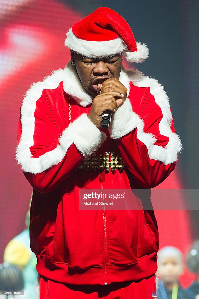 Rapper <a gi-track='captionPersonalityLinkClicked' href=/galleries/search?phrase=Biz+Markie&family=editorial&specificpeople=216330 ng-click='$event.stopPropagation()'>Biz Markie</a> performs during 'Yo Gabba Gabba! Live!' at The Beacon Theatre on December 22, 2013 in New York City.