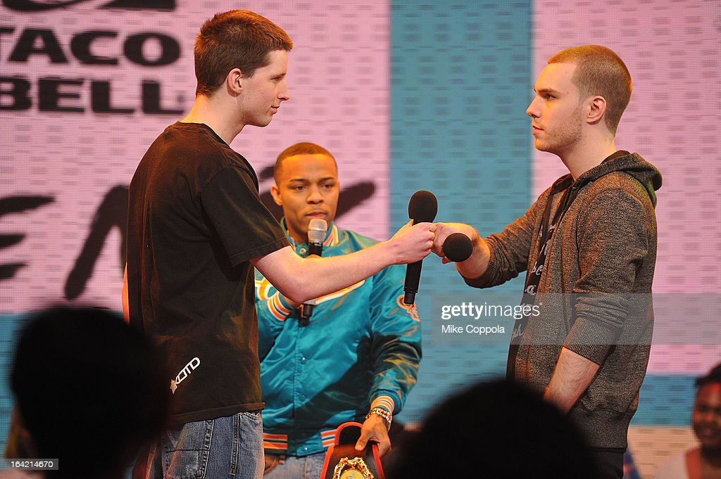 Rapper Bow Wow (C) mediates a freestyle contest on BET's 106th & Park at 106 & Park Studio on March 20, 2013 in New York City.