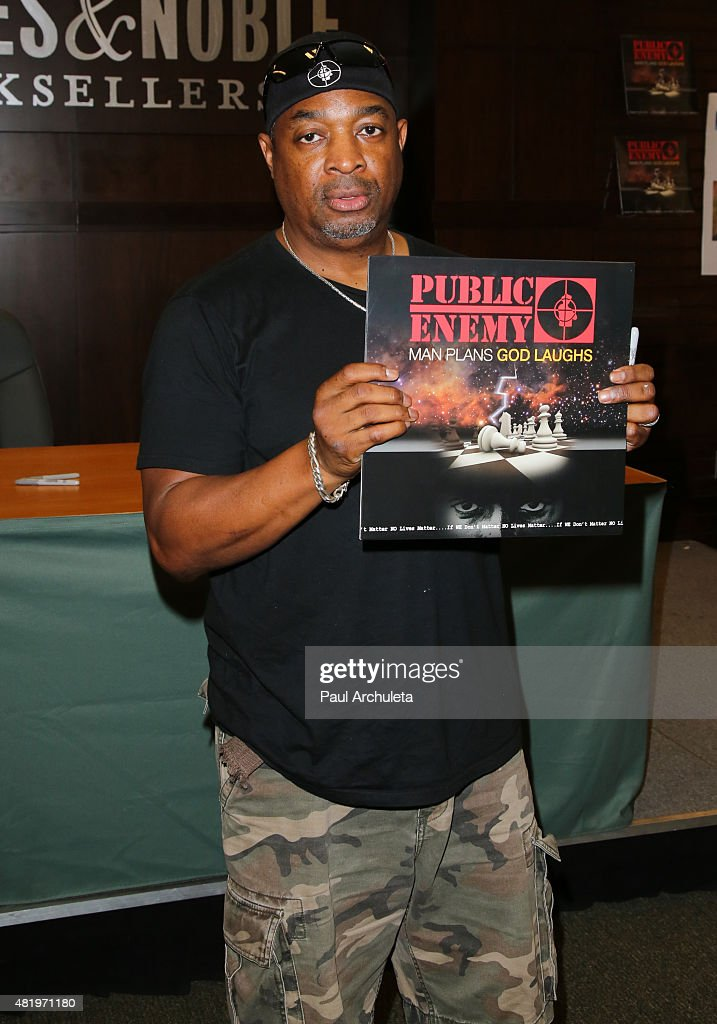 Rapper <a gi-track='captionPersonalityLinkClicked' href=/galleries/search?phrase=Chuck+D&family=editorial&specificpeople=212935 ng-click='$event.stopPropagation()'>Chuck D</a> of the Rap Group 'Public Enemy' signs copys of his new album 'Man Plans God Laughs' at Barnes & Noble at The Grove on July 25, 2015 in Los Angeles, California.