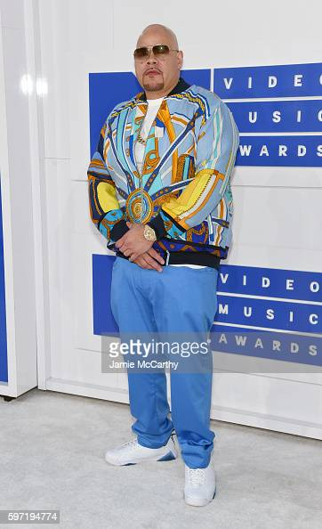 rapper-fat-joe-attends-the-2016-mtv-video-music-awards-at-madison-picture-id597194774