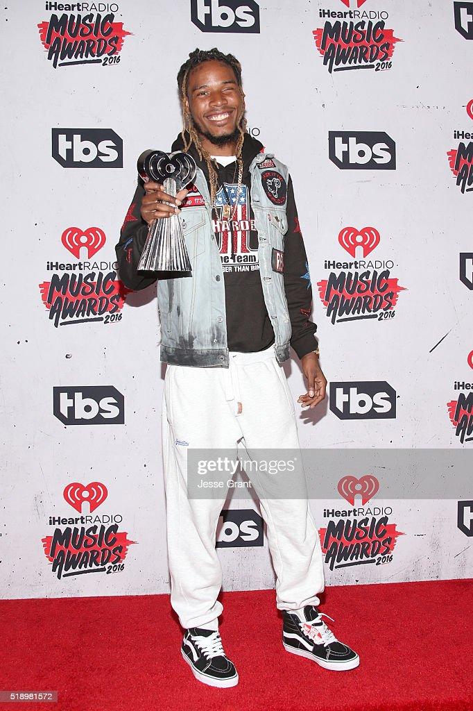 rapper-fetty-wap-winner-of-best-new-artist-award-poses-in-the-press-picture-id518981572