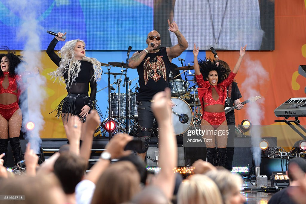 Rapper <a gi-track='captionPersonalityLinkClicked' href=/galleries/search?phrase=Flo+Rida&family=editorial&specificpeople=4456012 ng-click='$event.stopPropagation()'>Flo Rida</a> performs during ABC's 'Good Morning America' 2016 Summer Concert Series at SummerStage at Rumsey Playfield, Central Park on May 27, 2016 in New York City.