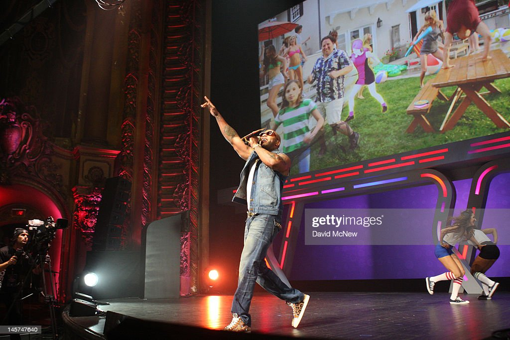 Rapper <a gi-track='captionPersonalityLinkClicked' href=/galleries/search?phrase=Flo+Rida&family=editorial&specificpeople=4456012 ng-click='$event.stopPropagation()'>Flo Rida</a> performs to promote the newest version of video game Dance Central 4 at the Ubisoft press conference on the eve of the Electronic Entertainment Expo (E3) on June 4, 2012 in Los Angeles, California. E3 is the most important yearly trade show the $78.5 billion videogame industry.