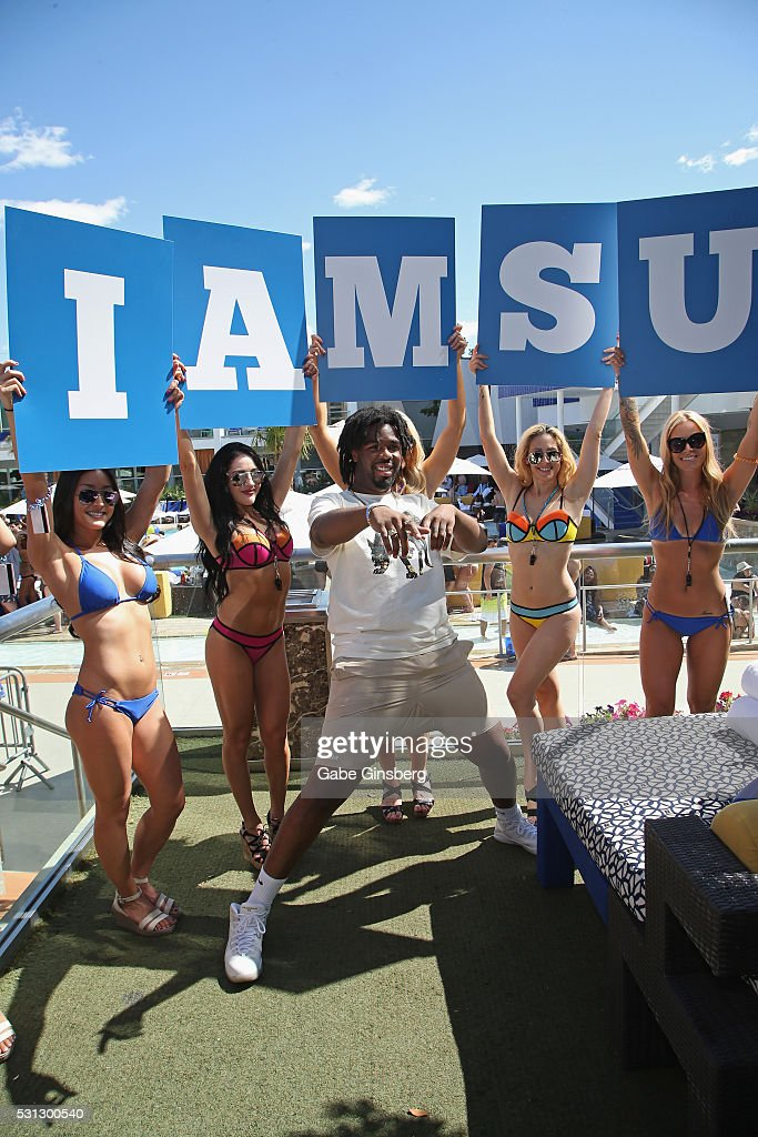 Iamsu at ditch fridays getty images for Pool show vegas 2016