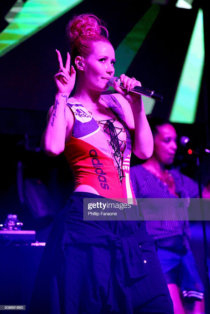 Rapper Iggy Azalea performs onstage during the Sports Illustrated Experience Friday Night Party on February 5, 2016 in San Francisco, California.
