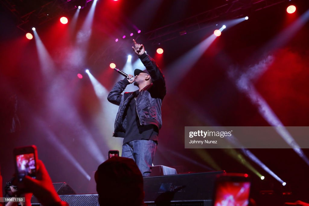 Rapper <a gi-track='captionPersonalityLinkClicked' href=/galleries/search?phrase=Kendrick+Lamar&family=editorial&specificpeople=8012417 ng-click='$event.stopPropagation()'>Kendrick Lamar</a> performs onstage at Power 105.1's Powerhouse 2013, presented by Play GIG-IT, at Barclays Center on November 2, 2013 in New York City.