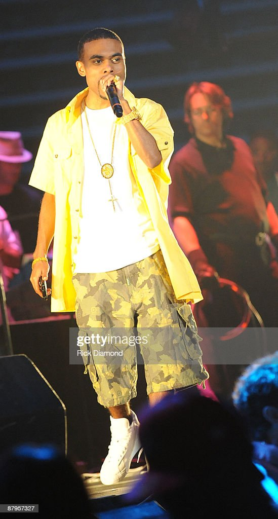 Rapper Lil Duval performs at T.I.'s Final Countdown Concert at Philips Arena on May 24, 2009 in Atlanta, Georgia.