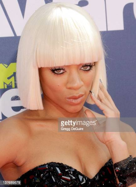 Rapper Lil Mama arrives at the 2011 MTV Movie Awards at the Gibson Amphitheatre on June 5 2011 in Universal City California