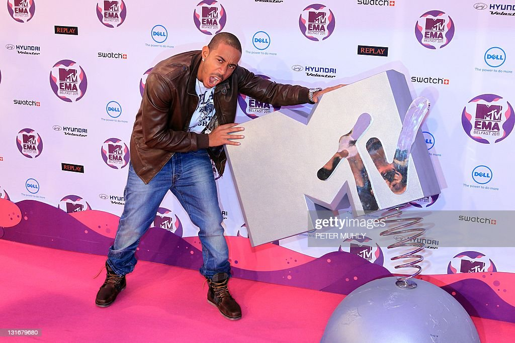 US rapper Ludacris poses on the red carpet at the MTV European Music Awards (EMA) at the Odyssey Arena in Belfast, Northern Ireland, on November 6, 2011. AFP PHOTO / PETER MUHLY