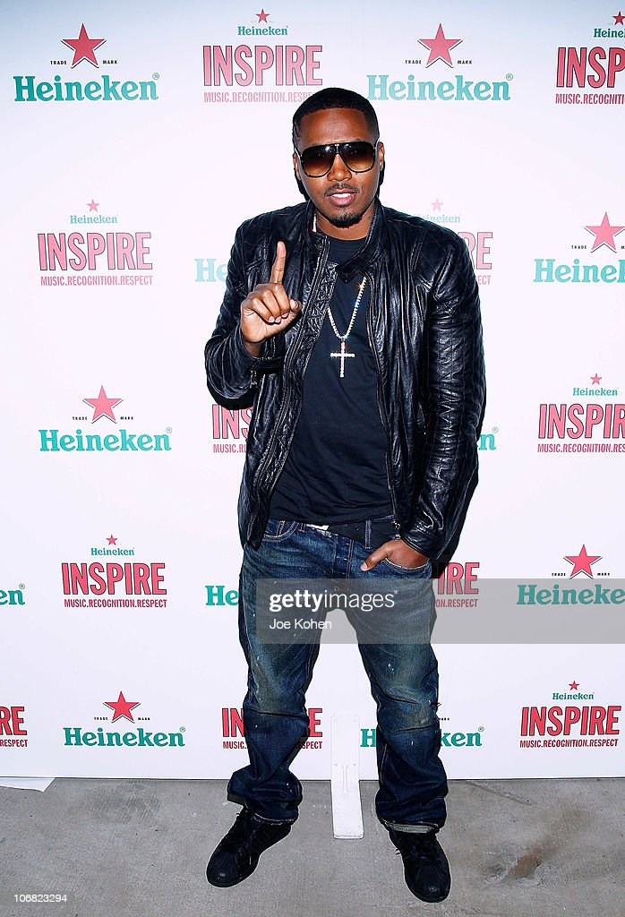 Rapper <a gi-track='captionPersonalityLinkClicked' href=/galleries/search?phrase=Nas&family=editorial&specificpeople=204627 ng-click='$event.stopPropagation()'>Nas</a> attends Heineken Inspire Encore Event featuring <a gi-track='captionPersonalityLinkClicked' href=/galleries/search?phrase=Nas&family=editorial&specificpeople=204627 ng-click='$event.stopPropagation()'>Nas</a>, Cee Lo Green, Diplo, Pete Rock, J. Cole and Roxy Cottontail at Basketball City - Pier 36 - South Street on November 13, 2010 in New York City.